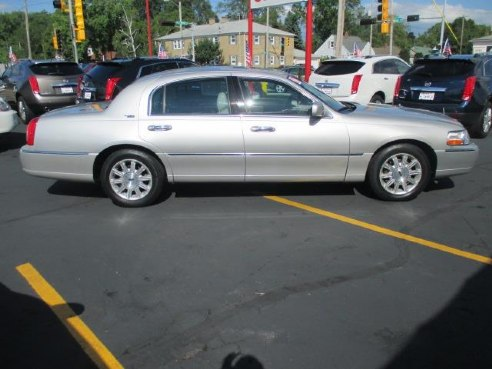2007 lincoln town car signature limited silver green bay wi
