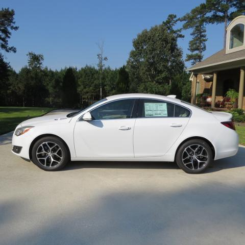 2017 buick regal sport touring for sale bay springs ms 2 0l 4 cyl 4 cylinder summit white. Black Bedroom Furniture Sets. Home Design Ideas