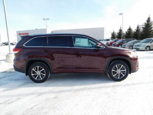 2018 toyota highlander xle for sale mankato mn 3 5 6 cylinder dk red. Black Bedroom Furniture Sets. Home Design Ideas
